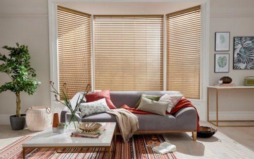 Mẫu rèm gỗ đẹp cho phòng khách sang trọng hiện đại