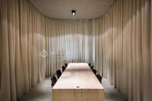 Mẫu rèm vải lắp đặt văn phòng sang trọng hiện đại