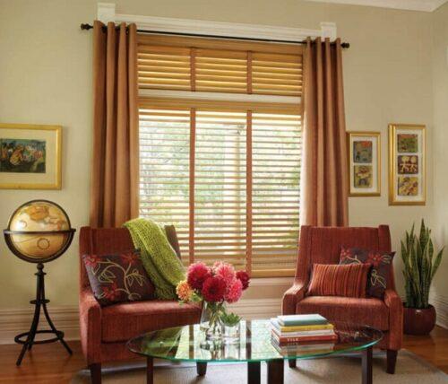 Sự kết hợp sành điệu giữa rèm gỗ và rèm vải