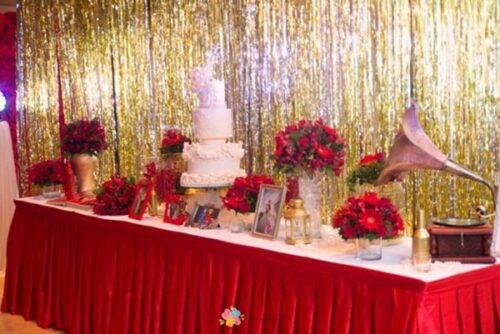 Rèm kim tuyến trang trí cũng được dùng nhiều trong các sự kiện hay bữa tiệc quan trọng