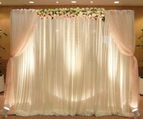 Có thể lựa chọn vải lụa màu sắc khác nhau nhưng chủ đạo là trắng, hồng và vàng.