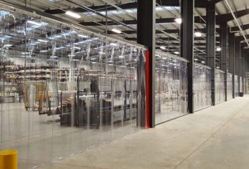 Với đặc tính trong suốt, chúng rất thích hợp với các không gian chung như nhà máy hay xưởng sản xuất