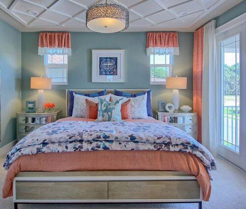 Màu sắc cam rực rỡ giúp tô điểm cho căn phòng ấm cúng rất phù hợp khi mùa đông đến