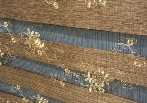 Vải dùng cho rèm cầu vồng cũng được thêu rất đẹp